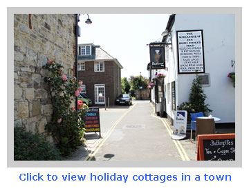 rent holiday cottages in a town for a family break